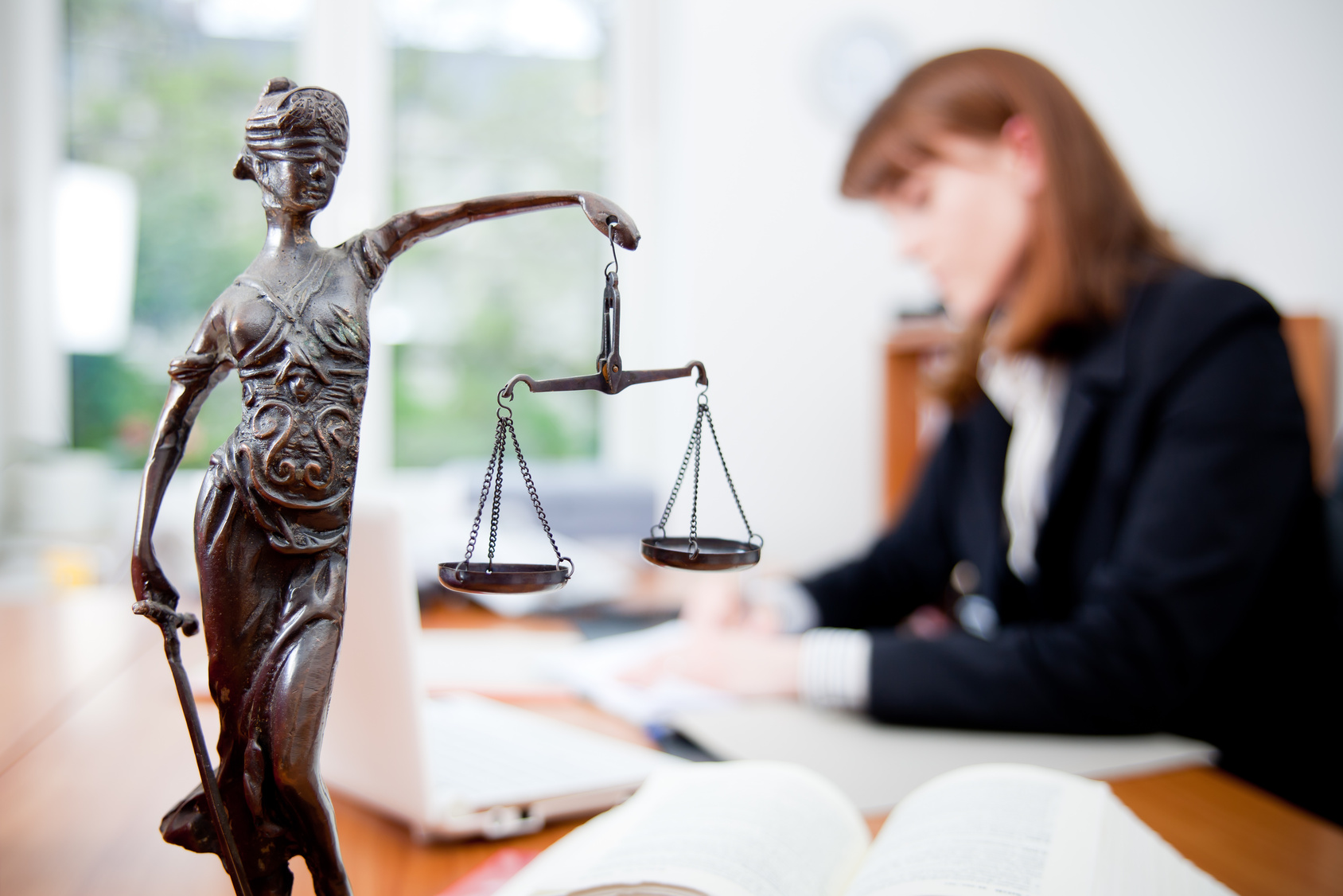 LEGAL-CONSULTING
